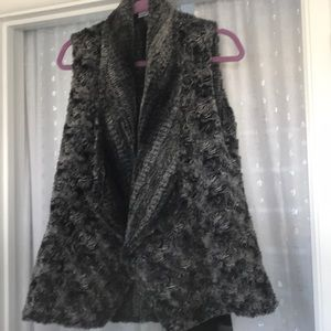 Faux fur woman's vest. Reversible.medium
